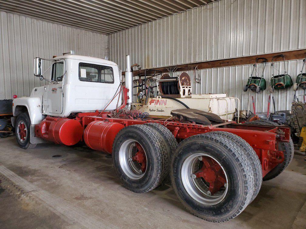 1988 R Model Mack