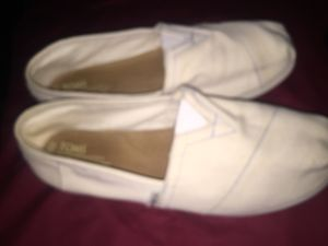 Shoes toms good condition size 8. 12 dlls for Sale in San Bernardino, CA