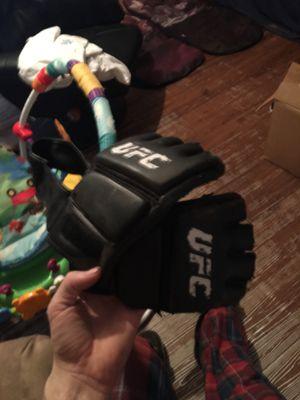 UFC gloves, used for sale  Tulsa, OK
