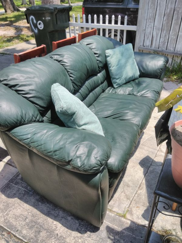 Have A Really Nice Green Leather Couch Made By Decoro Good Condition Very Comfortable Can Deliver If Needed Furniture In Daytona Beach Fl Offerup