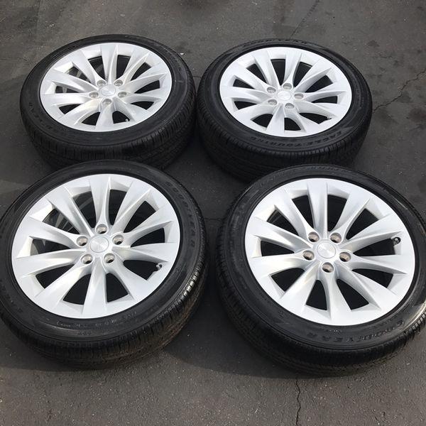 """19"""" Oem Tesla Model S Factory Wheels 19 Inch Silver Model"""