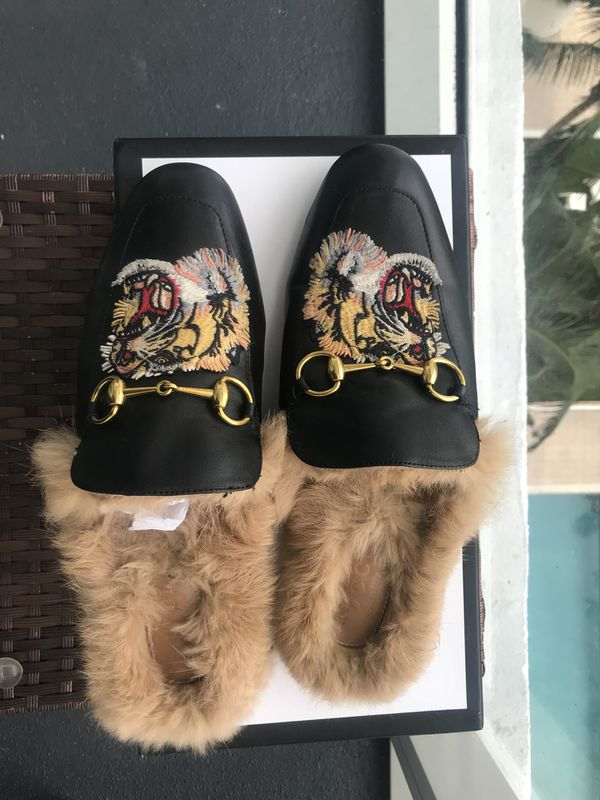 fd315b9852b6 Gucci fur slipper size 42 or US 9 for Sale in Miami