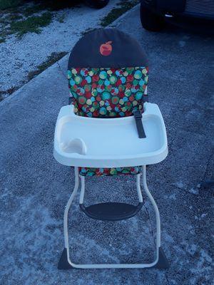 High chair for Sale in West Palm Beach, FL