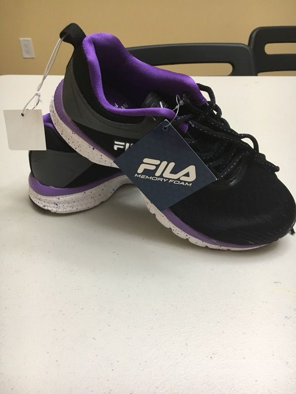 New Fila Memory Outreach Women size 6 for Sale in Clifton, NJ OfferUp