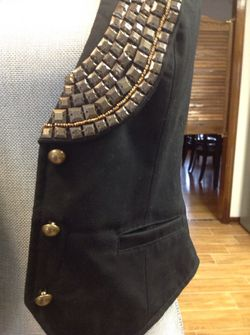 Black vest with a sequined collar, size S! Thumbnail