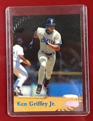 Ken Griffey Jr. Baseball Card 1998 for Sale in Alexandria, VA