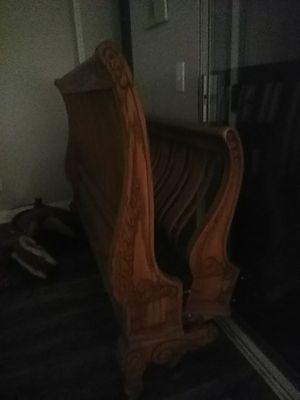 Very nice elegant queen bed for Sale in Las Vegas, NV