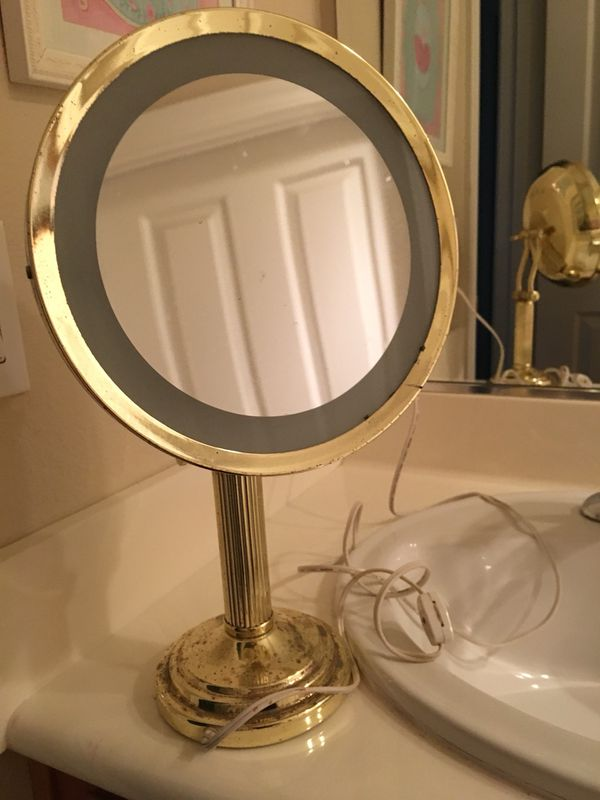 Completely new Vintage gold ring light mirror (General) in San Jose, CA - OfferUp QK17