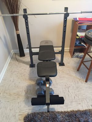 Golds Gym Flat Bench With Bar!! for Sale in St. Louis, MO