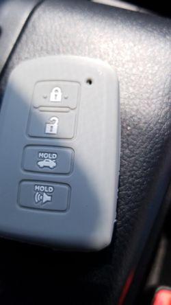 Para control d llave d Toyota Camry año 2015 Thumbnail
