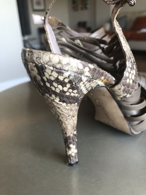 Medium heels (size 6) for Sale in Alexandria, VA