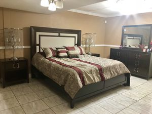 King bedroom set for Sale in Doral, FL