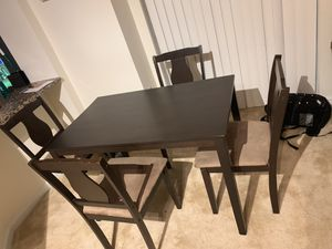 Brown dining room table for Sale in Arlington, VA