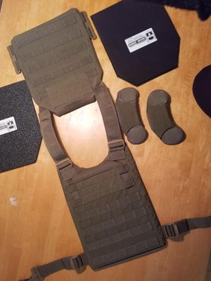 First spear vest with ar500 armor for Sale in Gambrills, MD