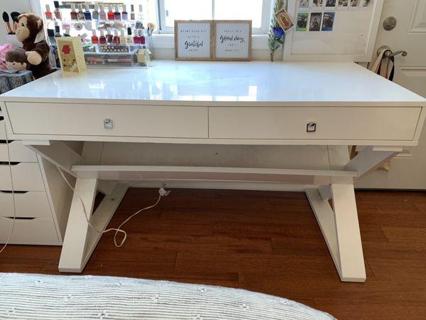 Z Gallerie White Jett Desk For Sale In Los Angeles Ca