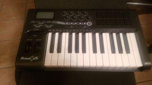 Axiom 25 by M-Audio Midi Keyboard w/Drum Pads for Sale in San Diego, CA