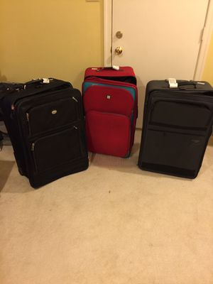 Large Suitcases for Sale in Vienna, VA