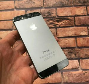 IPhone 5 S , UNLOCKED . Excellent Condition ( as like New) for Sale in West Springfield, VA