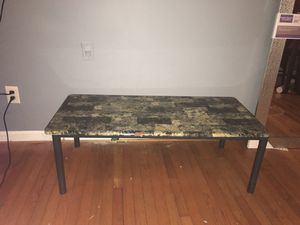 Coffee table for Sale in Oxon Hill, MD