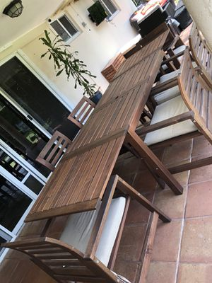 Outdoor dinning table for Sale in Miami, FL