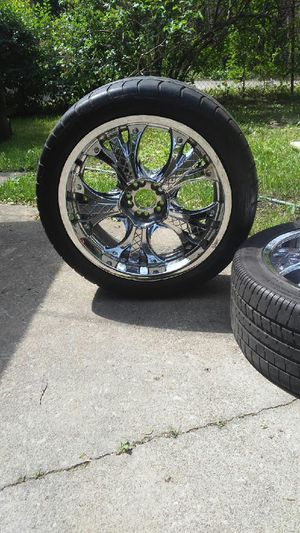 5 lug nut pattern 245/45/20 for Sale in Chicago, IL
