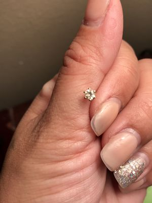 Single Stud Diamond Earring 14kt Gold for Sale in Belle Isle, FL