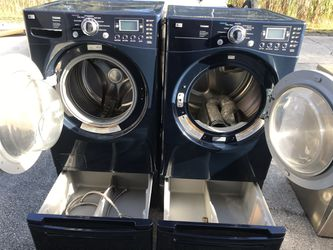 Lg Washer And Dryer On Pedestal Thumbnail