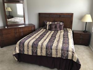 Queen bed set with mattress and frame for Sale in Gaithersburg, MD