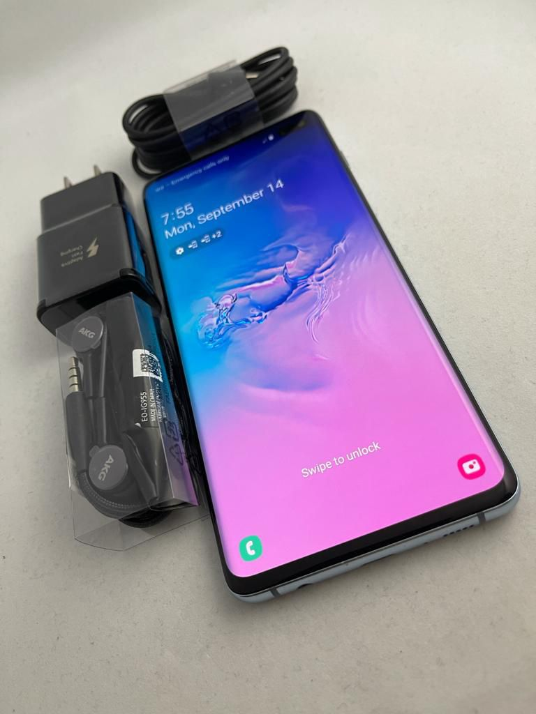Samsung Galaxy S10 Plus 128Gb, Blue Color, AT&T and Cricket Only, Excellent Condition. $440 Firm