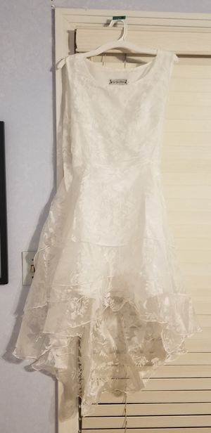 White Dresses (4) for Sale in Orlando, FL