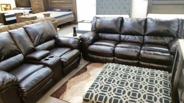 Simmons Leather Sofa And Loveseat For In Virginia Beach Va Offerup
