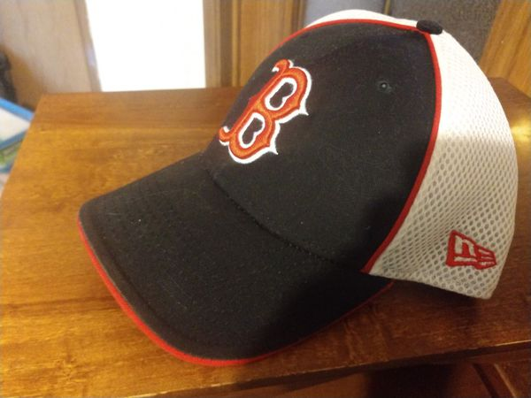 Boston Red Sox Fitted Cap (New Era) for Sale in Waukee 65fde75aa500