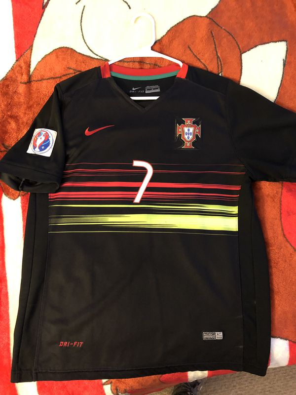 best service 3a4d8 a3e53 Portugal Nike Cr7 Cristiano Ronaldo Jersey Medium for Sale in San Jose, CA  - OfferUp