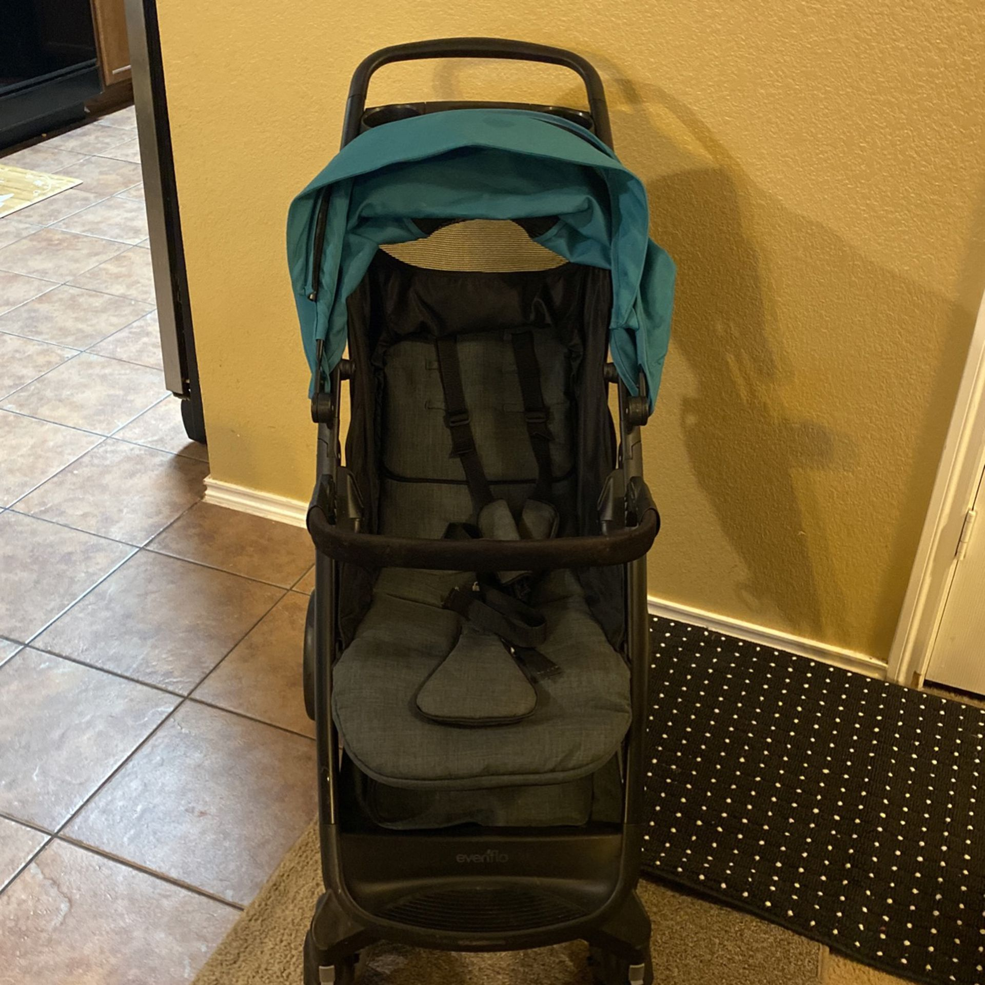 Even gol Baby Stroller Compact Comfy