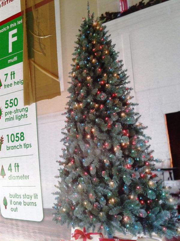 7ft Pre Lit Christmas Tree For Sale In Vancouver Wa Offerup