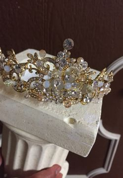 Crown Thumbnail