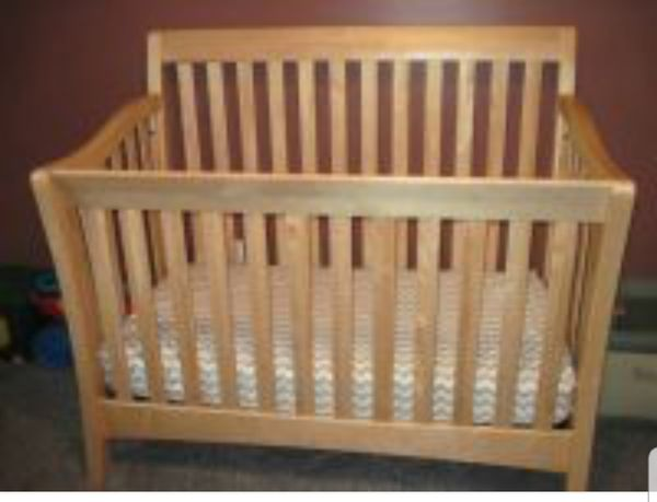 Baby cache uptown crib.