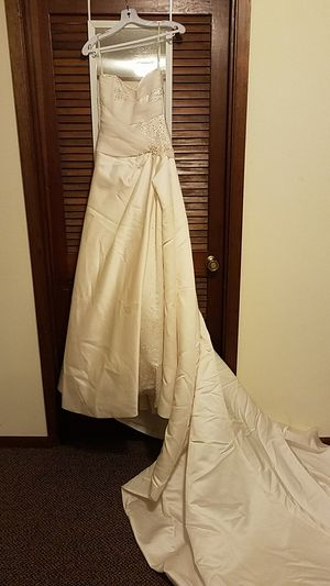 58cb792fe456 Maggie Sottero Couture Wedding Gown - Size 8 for Sale in Coralville, IA