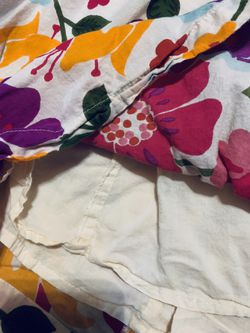 Beautiful Floral Crocheted Neck Dress - 5/6 Thumbnail
