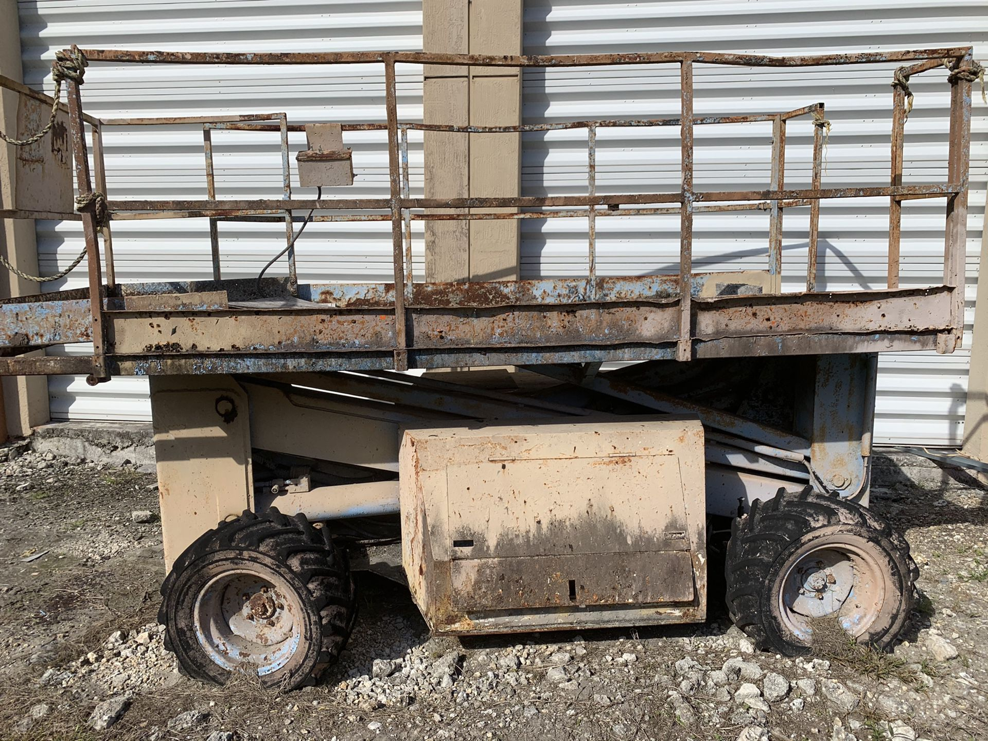 LIFT FOR PARTS OR REPAIR (It's Available if you see it posted) Make us an Offer!!!