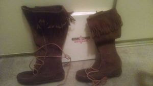 Ladies Genuine Minnetonka boots for Sale in Philadelphia, PA