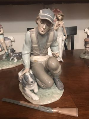 Beautiful Lladro figurines !!! Great holiday gifts for family .... for Sale in Hyattsville, MD