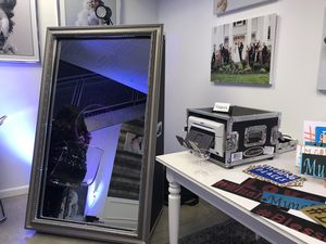 foto master mirror me photo booth for Sale in Colesville, MD