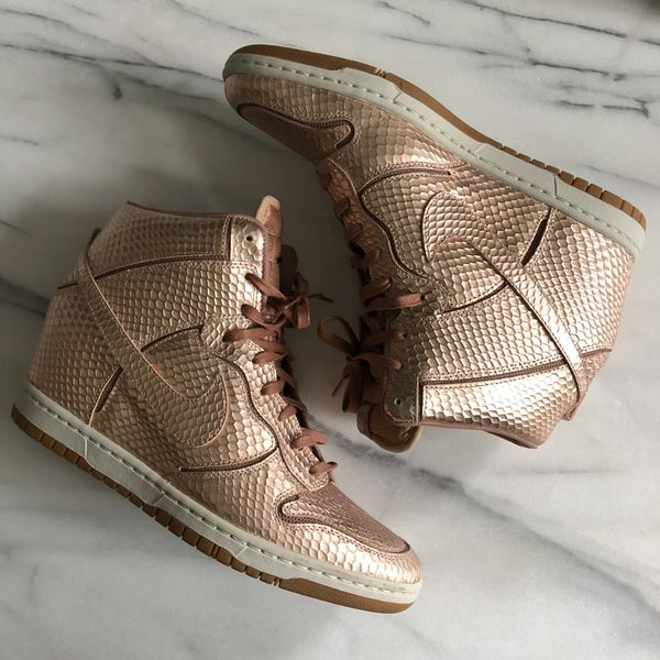Women s Nike Dunk Ski Hi Rose Gold Sneaker Wedges Size 11 for Sale ... 1eceebca0d
