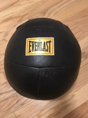 Everlast 11.2 lb / 5 kg Olympic Medicine Ball for Sale in Orlando, FL