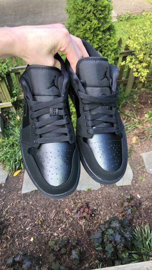 Photo Jordan 1 Low Retro Triple Black Size 8
