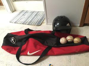 Photo Nike baseball bag and adidas helmet