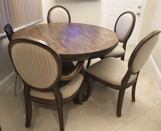 Havertys Furniture Solid Wood Dining Table With 4 Chairs For Sale In Parkland Fl Offerup