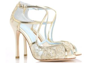 Embroidered gold lace wedding shoes by BELLA BELLE-Tess size 9 for Sale in Howey-in-the-Hills, FL