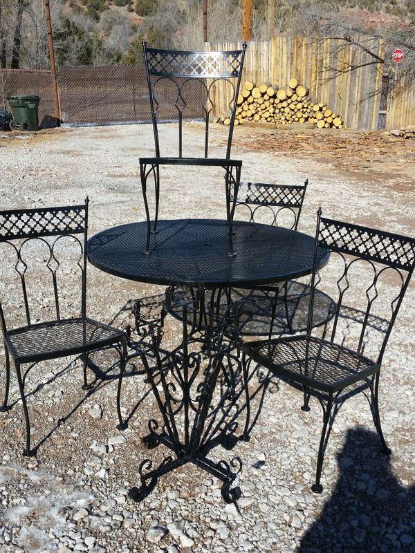 Mid Century Woodard 1960 S Quatrefoil Design Very Heavy Wrought Iron Patio Table Set Furniture